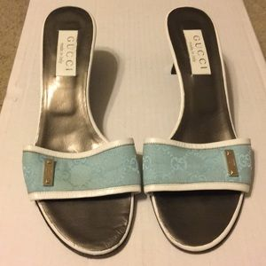 Gucci Turquoise /White Samar's 39C.